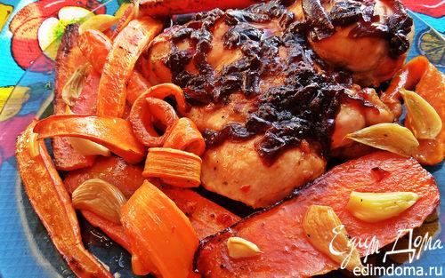 Рецепт Курица под луковым конфитюром и морковкой