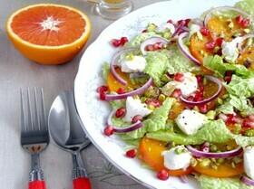 Зимний салат с хурмой и гранатом