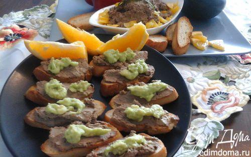 Рецепт Куриный паштет со сладким перцем и пюре из авокадо