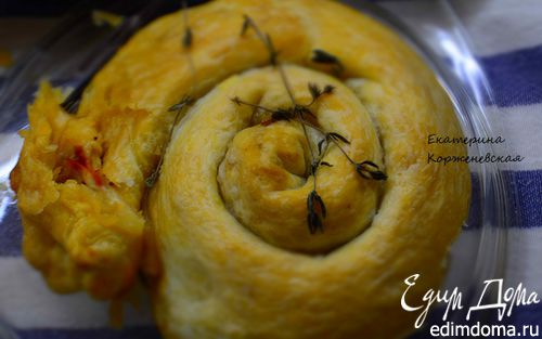 Рецепт Спиральки из теста с сырно-томатной начинкой