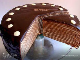 Шоколадный торт из блинов с банановым заварным кремом