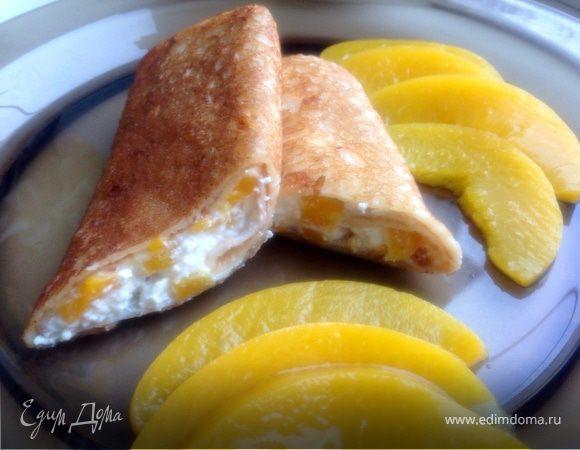 Блины с нежнейшей начинкой из творога и персиков