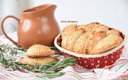 Рецепт Пирожки с начинкой тушеной в пиве и сыром