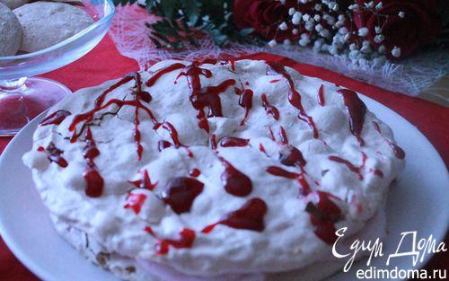 Рецепт Ореховый торт-безе с малиновым кремом
