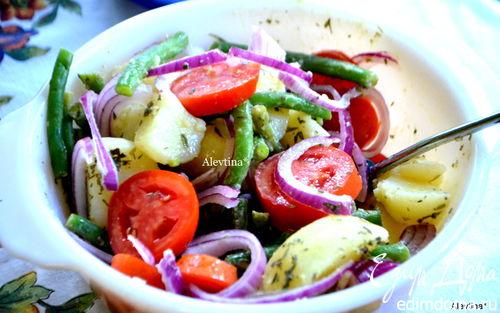 Рецепт Картофельный салат с зеленой фасолью и томатами