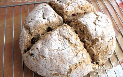 Рецепт Ирландский содовый хлеб с розмарином и клюквой