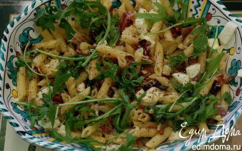 Рецепт Теплый салат из пенне с ветчиной и руколой