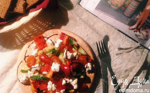 Рецепт Белковый салат с чечевицей, овощами и творожным сыром