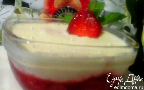 Рецепт Шоколадный белый мусс с клубникой, мятой и вербеной
