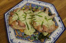 Цыплята в соусе из простокваши с тархуном