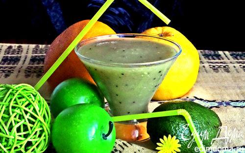 Рецепт Коктейль из авокадо, киви и грейпфрута