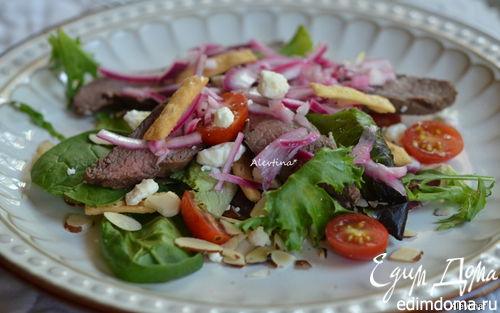 Рецепт Стейк салат с маринованным луком