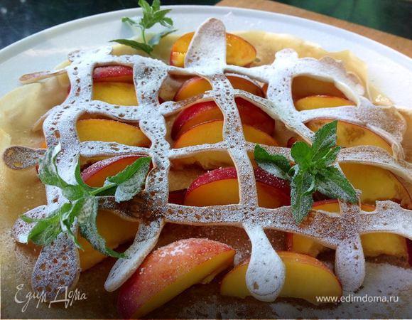 Блины с персиками