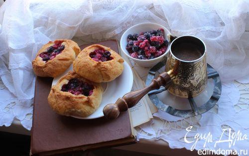 Рецепт Ватрушки с ягодами на творожном тесте