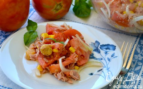 "Рецепт Салат с помидорами и тунцом ""5 минут"""