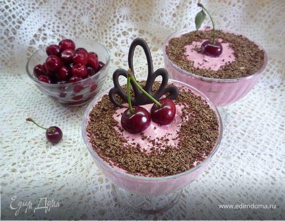Сливочно-вишневое суфле с творогом и шоколадом