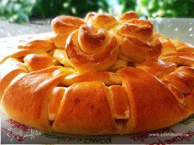 Пирог с начинкой (картошка, тунец, яйца, сыр, зелень)