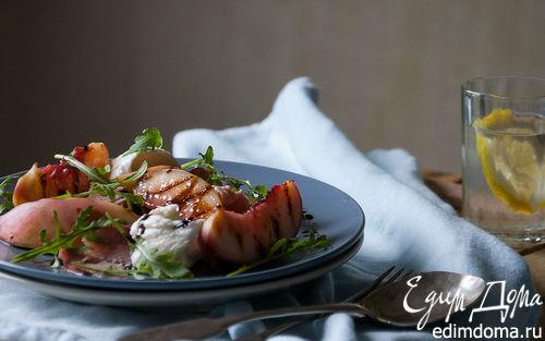 Рецепт Салат из персиков-гриль и моцареллы