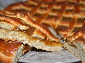 Домашний пирог с инжировым вареньем