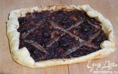 Рецепт Открытый пирог с карамелизированным луком и анчоусами