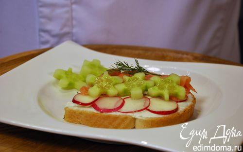 Рецепт Бутерброд с лососем и овощами