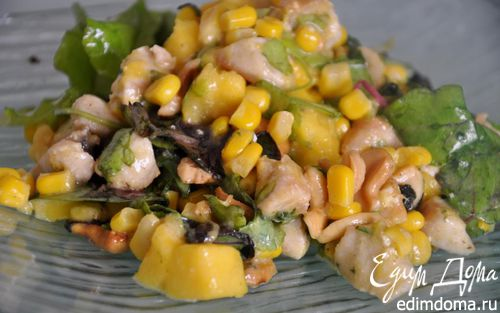 Рецепт Салат с манго, курицей и кукурузой