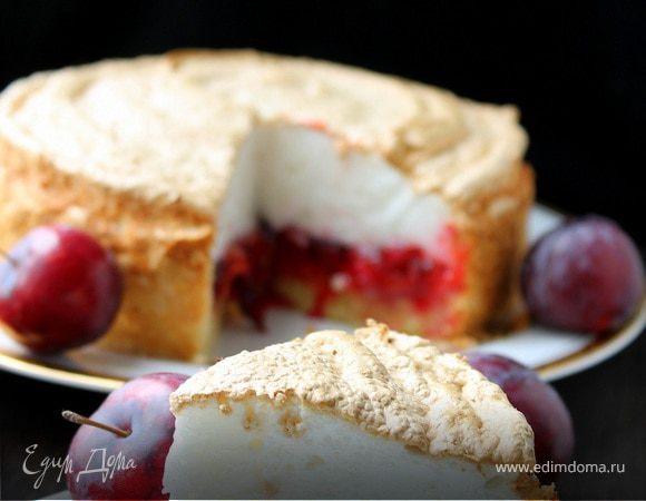 Сливовый пирог с безе
