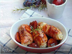 Куриные рулетики в беконе со сливовым соусом