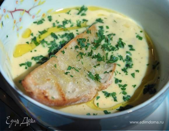 Тосканский суп из белой фасоли с чесночными гренками