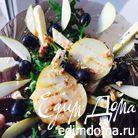 Легкий салат из сыра с плесенью