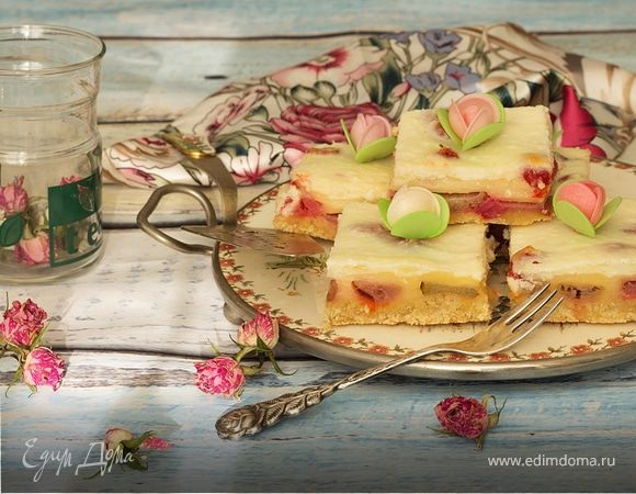 Ревенево-пудинговый пирог (Rhubarb pudding pie)