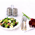 Салат с печенью трески и перепелиными яйцами