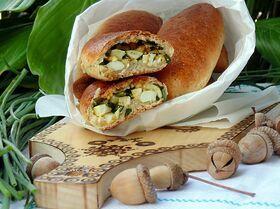 Гречневые пирожки с луком и яйцом