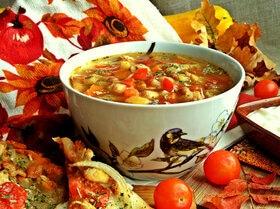 Щи «Сборные» с фасолью и фрикадельками
