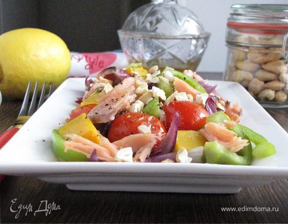 Салат с копченой кетой и тыквой