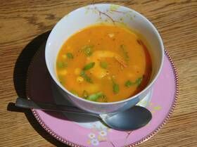 Тыквенный суп с кукурузой и креветками