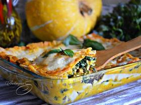 Лазанья из индейки со шпинатом и соусом из тыквы
