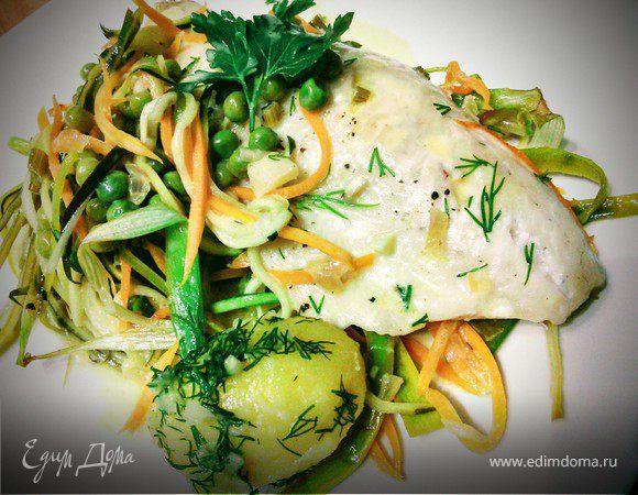 Рыба запеченная с овощами под белым соусом