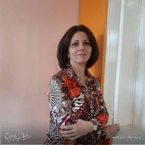 Erna Khalatyan