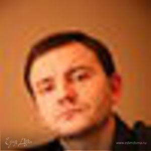 Денис Бажан