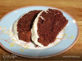 Шоколадный кекс с кленовым кремом