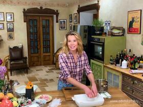 Рецепт освежающего супа — холодник со свеклой от Юлии Высоцкой | #сладкоесолёное №85