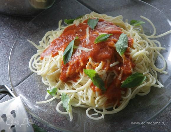 Спагетти с имбирем и помидорами