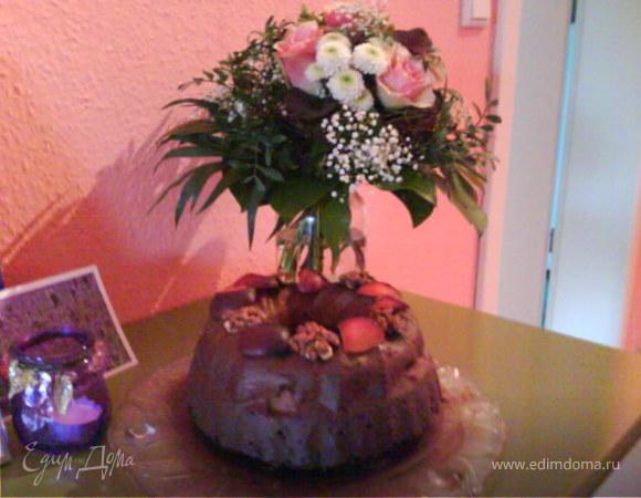 Ореховый пирог со сливами в шоколаде