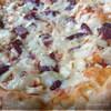 Пицца с салями сладким перцем и луком