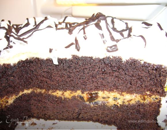 Торт сливочно-шоколадный с черносливом