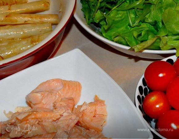 Рыбный салат с белой спаржей