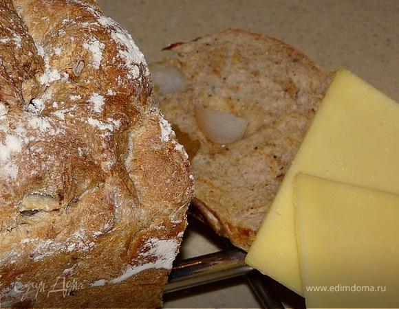 Хрустящий хлеб с перцем и грушей