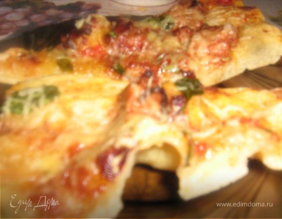 Пицца с телятиной в пикантном соусе