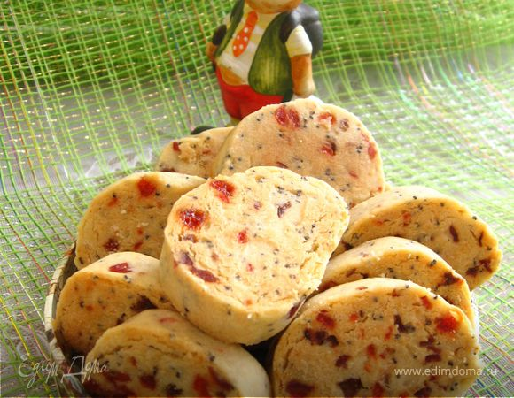 Пасхальное печенье с маком, вяленой клюквой, сушеной вишней и изюмом